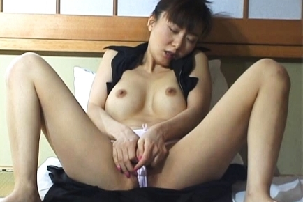 Maria Yuki Mature Asian chick is horny