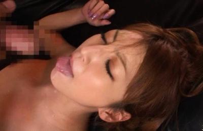 Kaede Matsushima Asian chick gives a hot blowjob