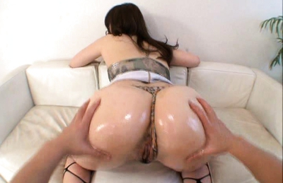 Aiko Asian model shows off her tight round ass