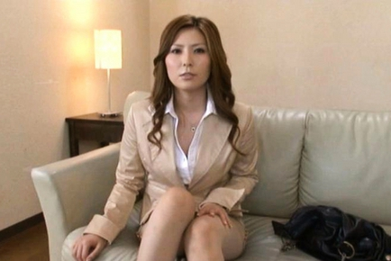 Yuna Shiina Hot Japanese teacher looking for a student for sex
