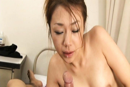 Sexy Milf Sakura Hirota Finds Pleasure at Both Ends