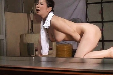 Juri Yamaguchi Asian babe shows off her cute tits