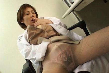 Hitomi Hasegawa Hot Asian model gives great head
