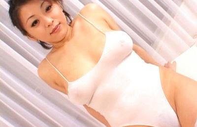 Reiko Yamaguchi Asian doll rides a huge dildo