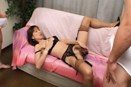Masturbating Nagisa Kurotani lets her audience cum on her crotch