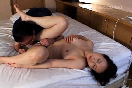 Runa Akasaka mature hard fuck