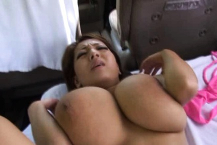 Hitomi sexiest fuck in car