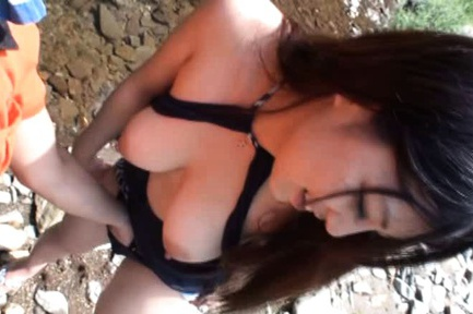 Outdoor sex with sexy chick Rie Suzumiya