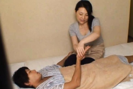 Big Breasted MILF Takes It Deep In Her Bedroom