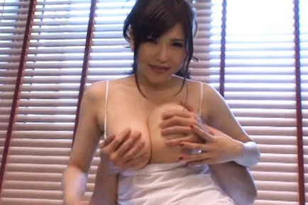 Anri Okita´s Huge Tits Bounce As She´s Fingered From Behind