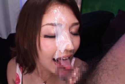 Two dicks for Miku Hasegawa sucked so she can get a facial