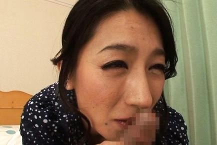 Horny housewife Marina Matsumoto enjoys big cock