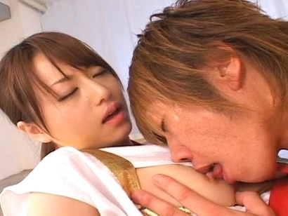 Akiho Yoshizawa Gets Her Pussy Licked