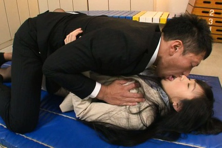 Long-haired Japanese teacher Nana Ogura rides pecker
