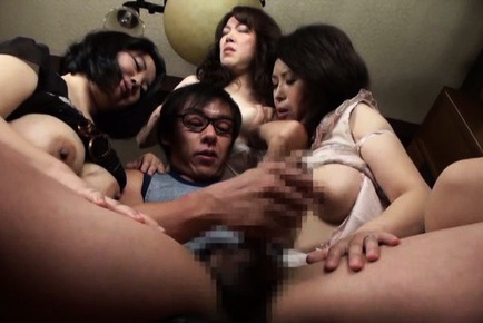 Wild orgy session with pussy stimulation