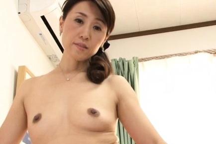 Gorgeous amateur Mako Morishita engulfs cock on POV
