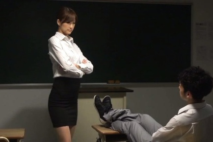Sexy teacher Ichika Kanhata is eager to suck some cock