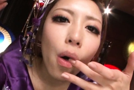 Steaming Japanese AV model Ayu Sakurai gives a cute oral job