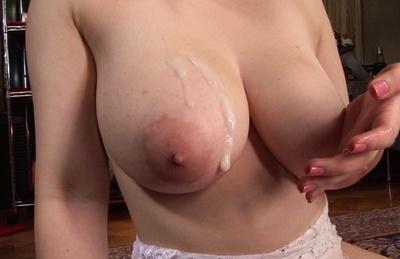 Hot mature lady Chitose Saegusa with big tits has crazy sex