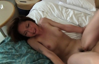 Sexy looking Asian milf Hitomi Katase in a cool threesome action