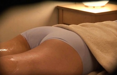 Massage turns nasty for horny Japanese milf