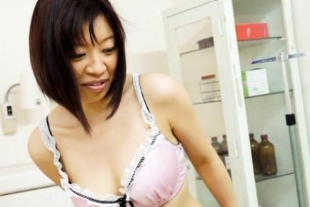 Japanese mature gives handjob in steamy manner